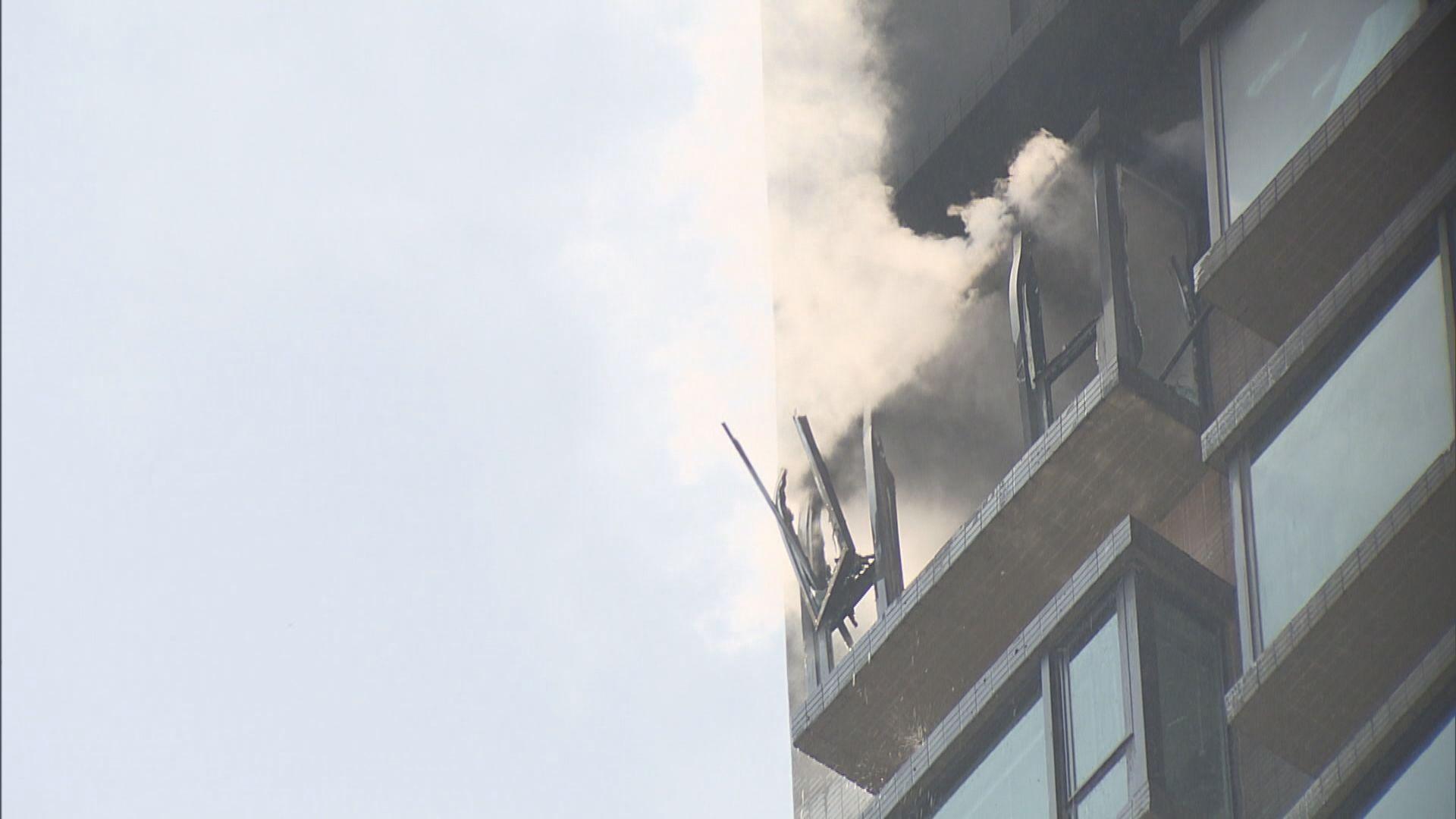 北角炮台山道一個住宅起火無人受傷