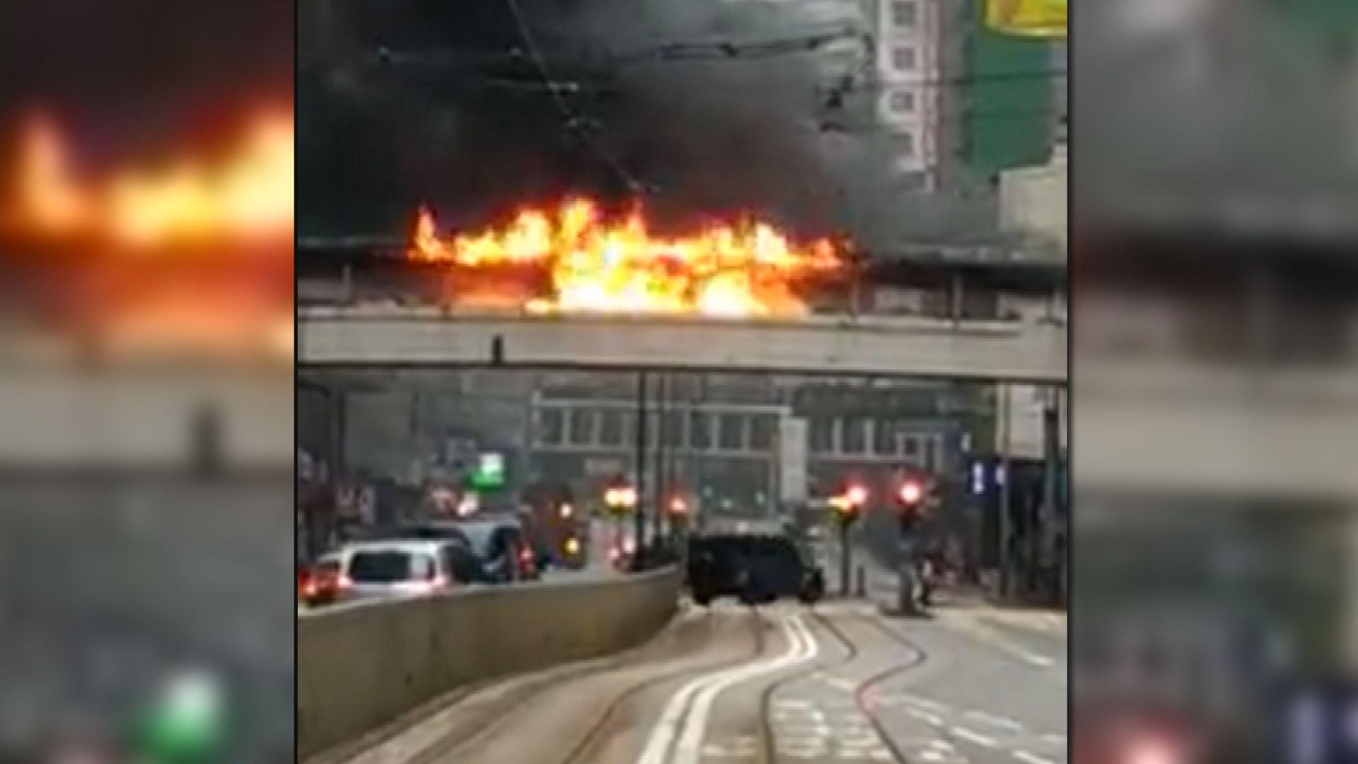 北角有行人天橋發生火警 無人受傷