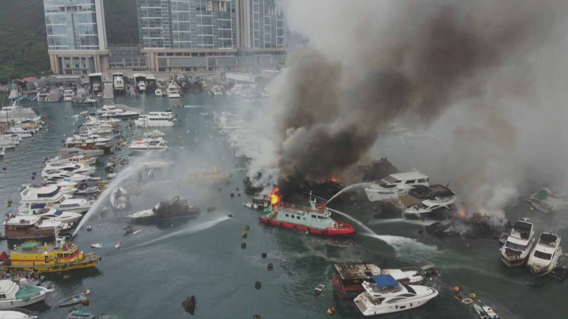 香港仔避風塘三級船火波及逾30艘船 一男童受傷送院