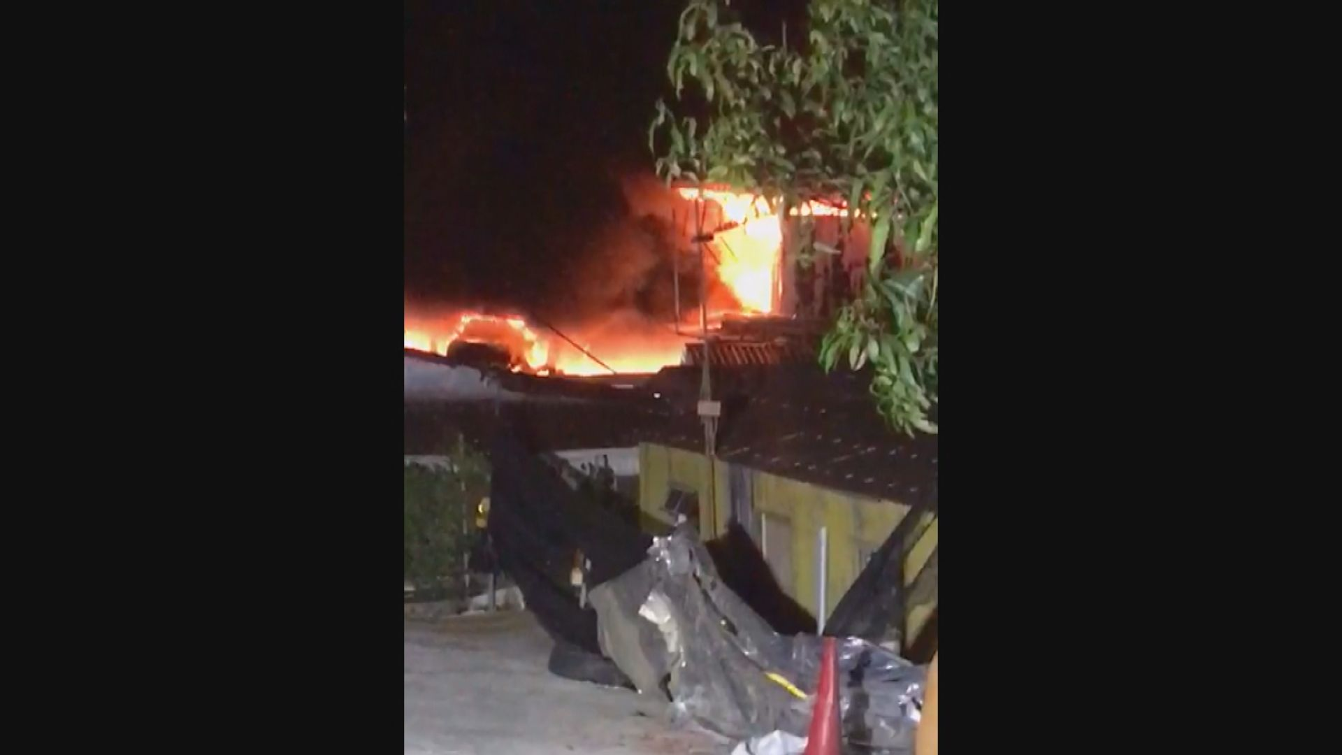 上水唐公嶺火警焚毀五部車一人傷