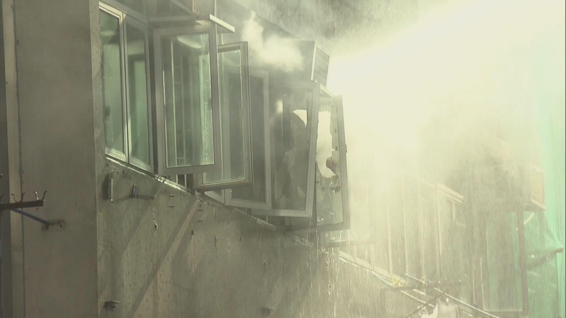 深水埗福榮街一住宅起火 一人送院