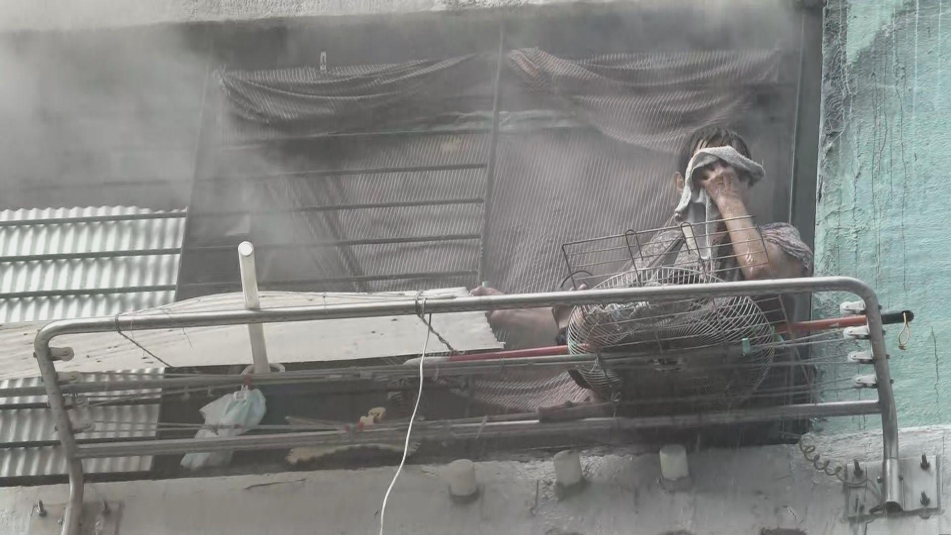 瀝源邨三級火 一名婆婆一度被困窗外晾衫架後獲救