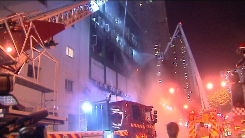 消防:火場路窄如迷宮阻灌救