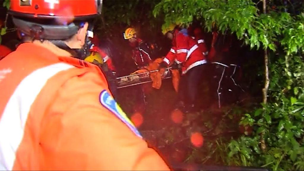 消防員指拯救被困飛鵝山行山人士過程驚險