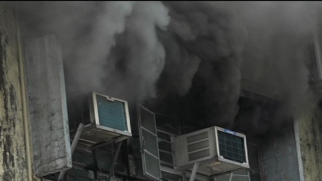 新蒲崗三級火 焚燒六小時仍未救熄