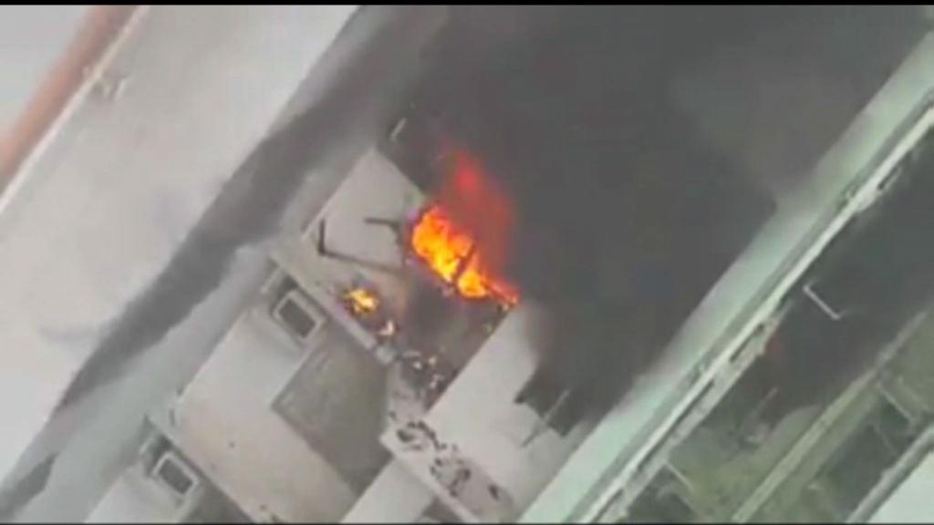 東涌逸東邨火警一人燒傷送院
