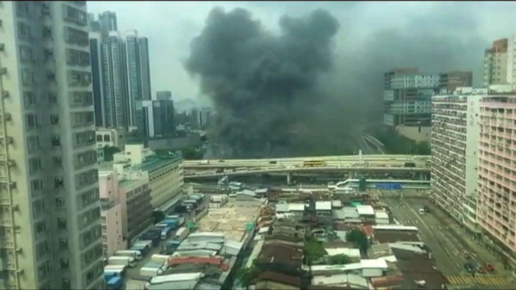 渡船街天橋底大堆雜物起火無人傷