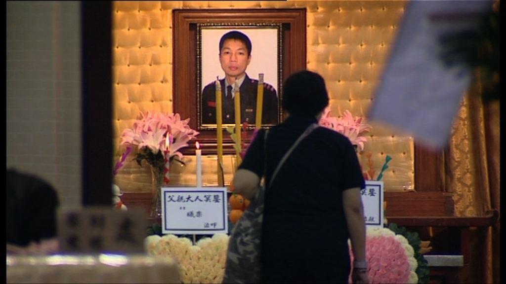 消防邱少明出殯 稍後舉行最高榮譽喪禮