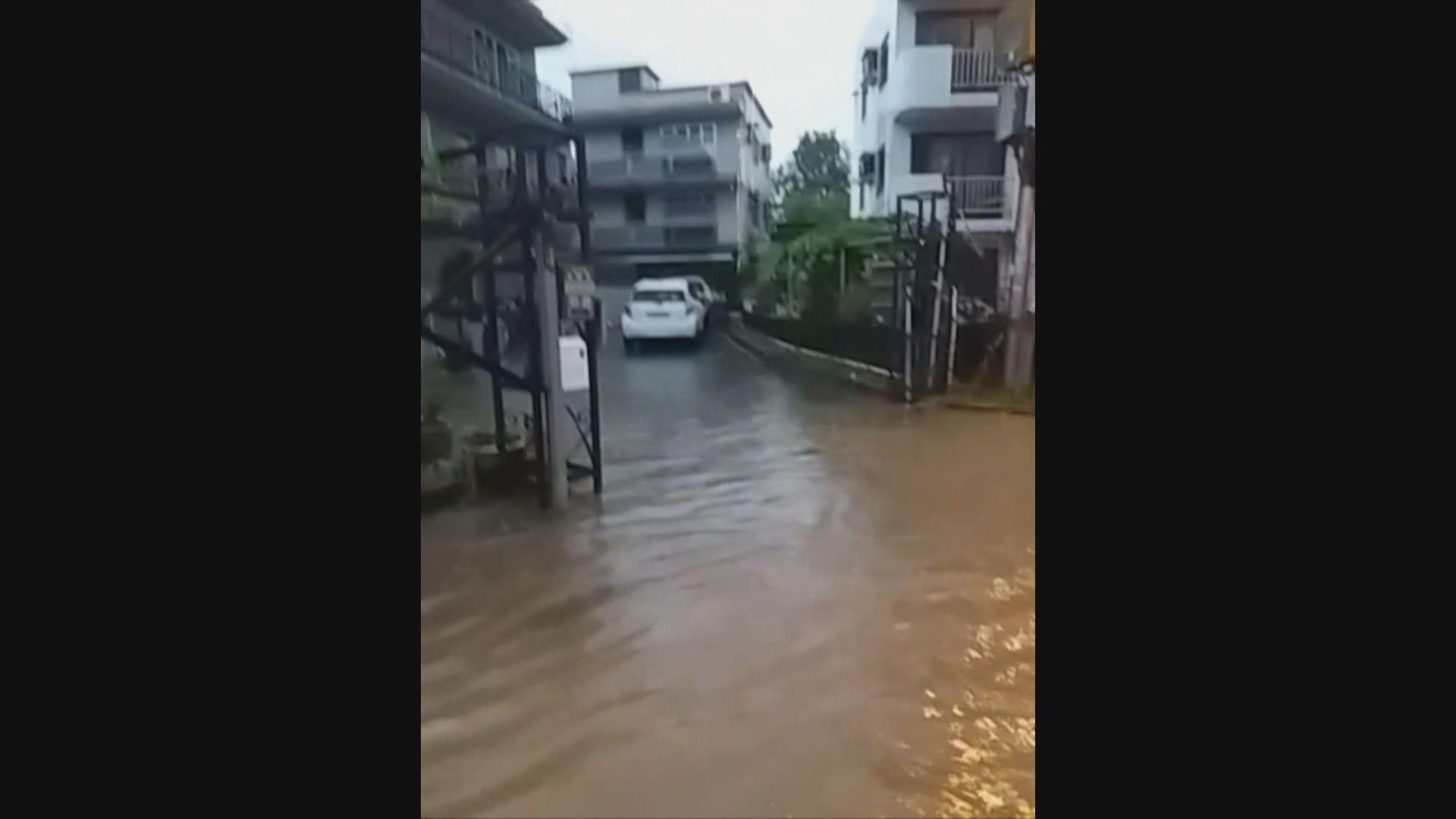 黃雨期間天水圍部分地區水浸有市民不適送院