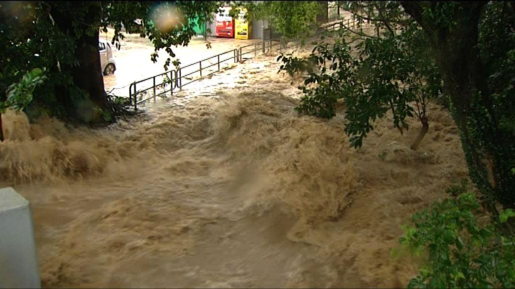 大埔汀角村有村民一度因水浸被困