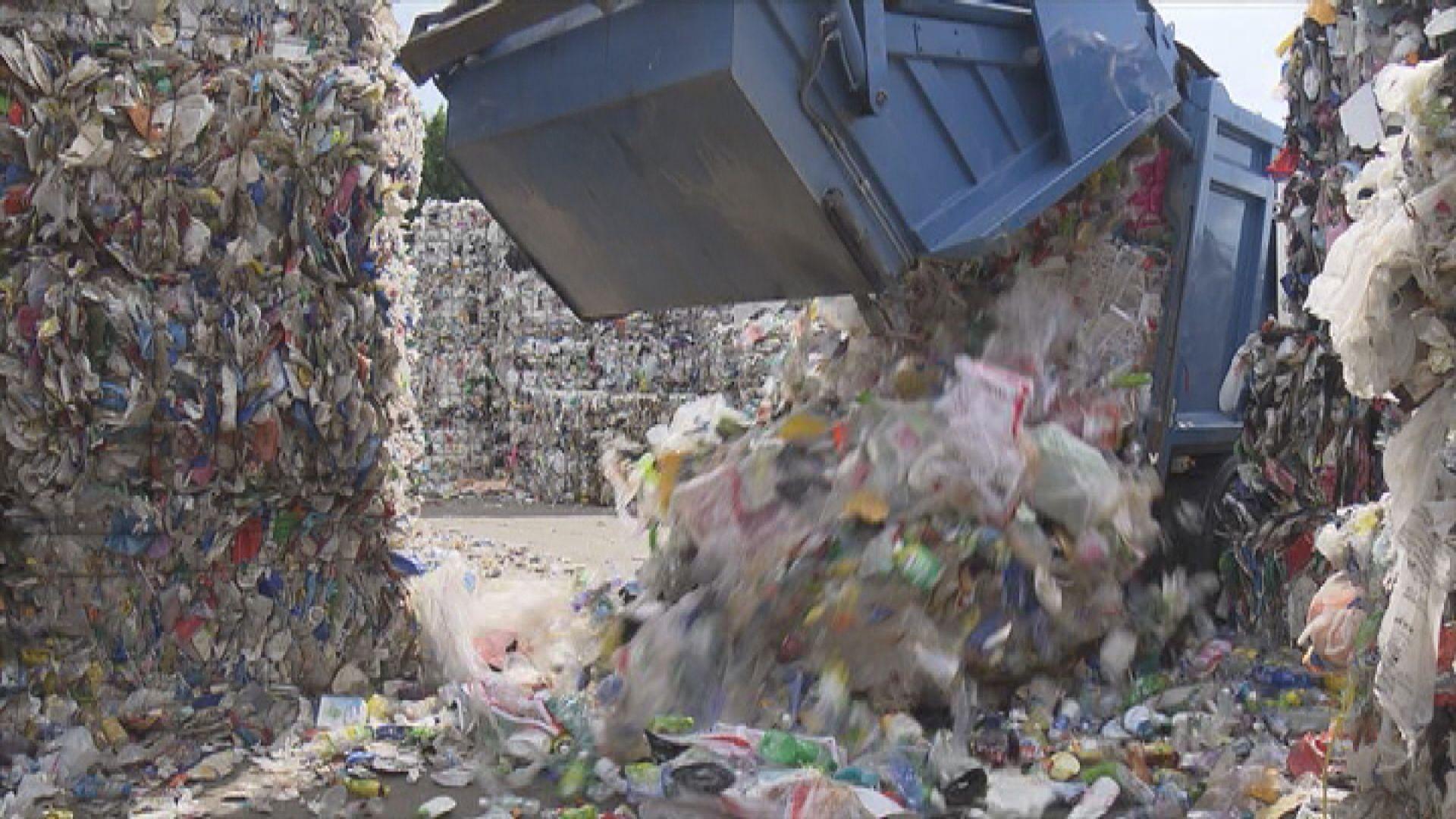 黃錦星:垃圾徵費視乎與議員溝通 再作修訂