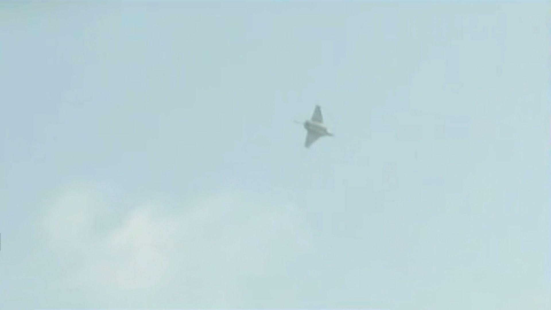 巴黎戰機超音速飛行發出巨響 一度引起恐慌