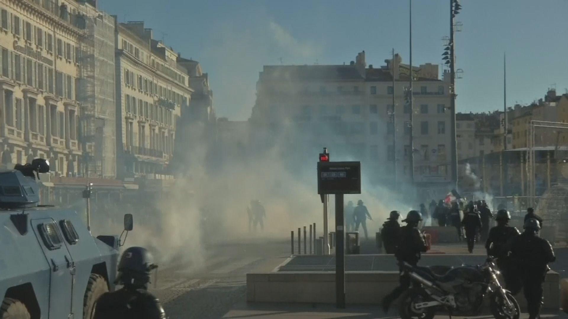 法國示威令經濟增長減少0.1百分點