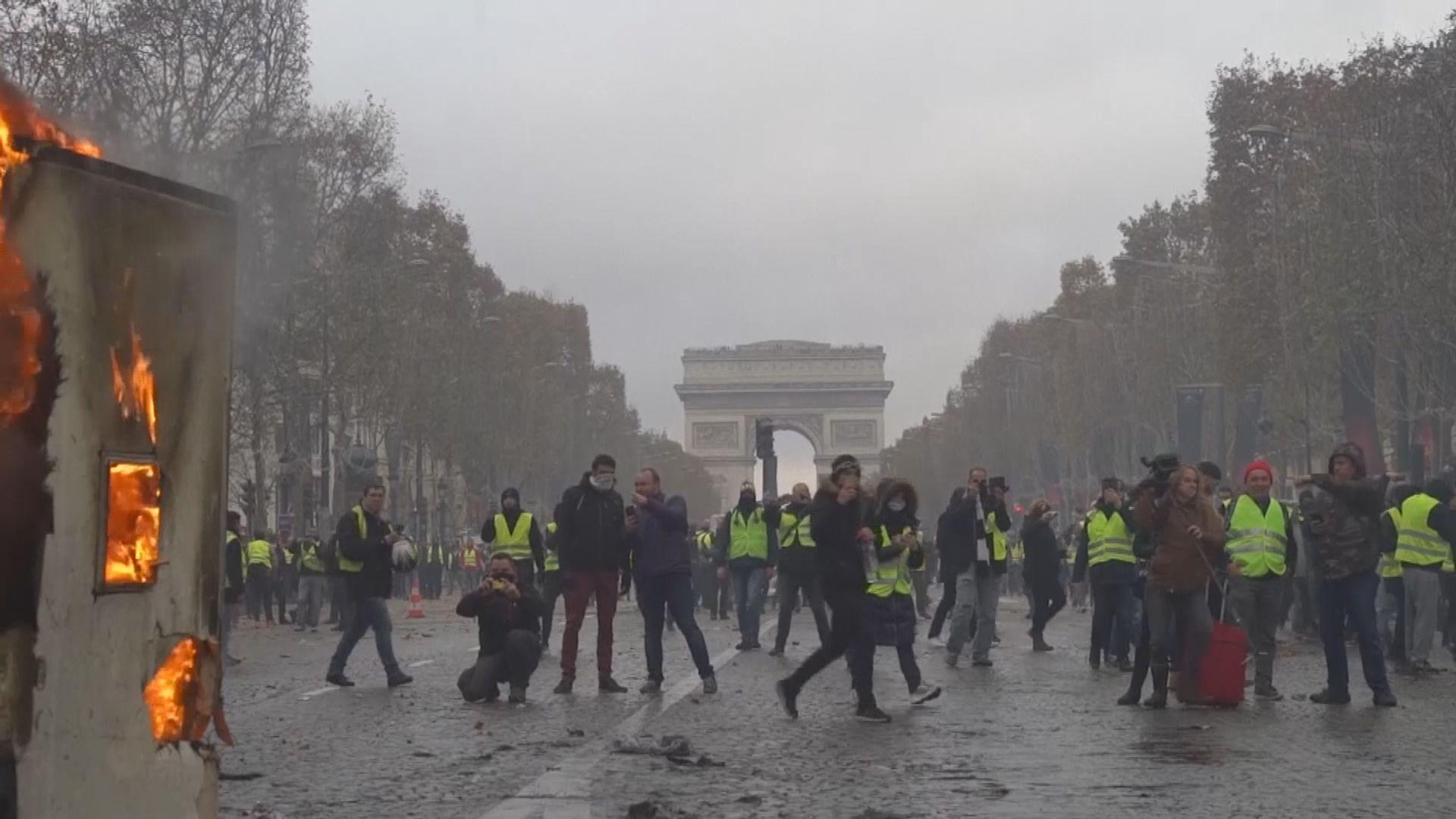 法國多處續有示威抗議調高柴油稅