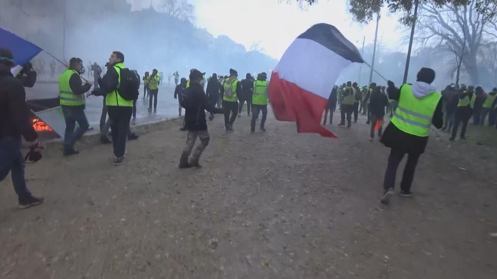 分析指法國示威揭示城市和鄉郊的深層次矛盾