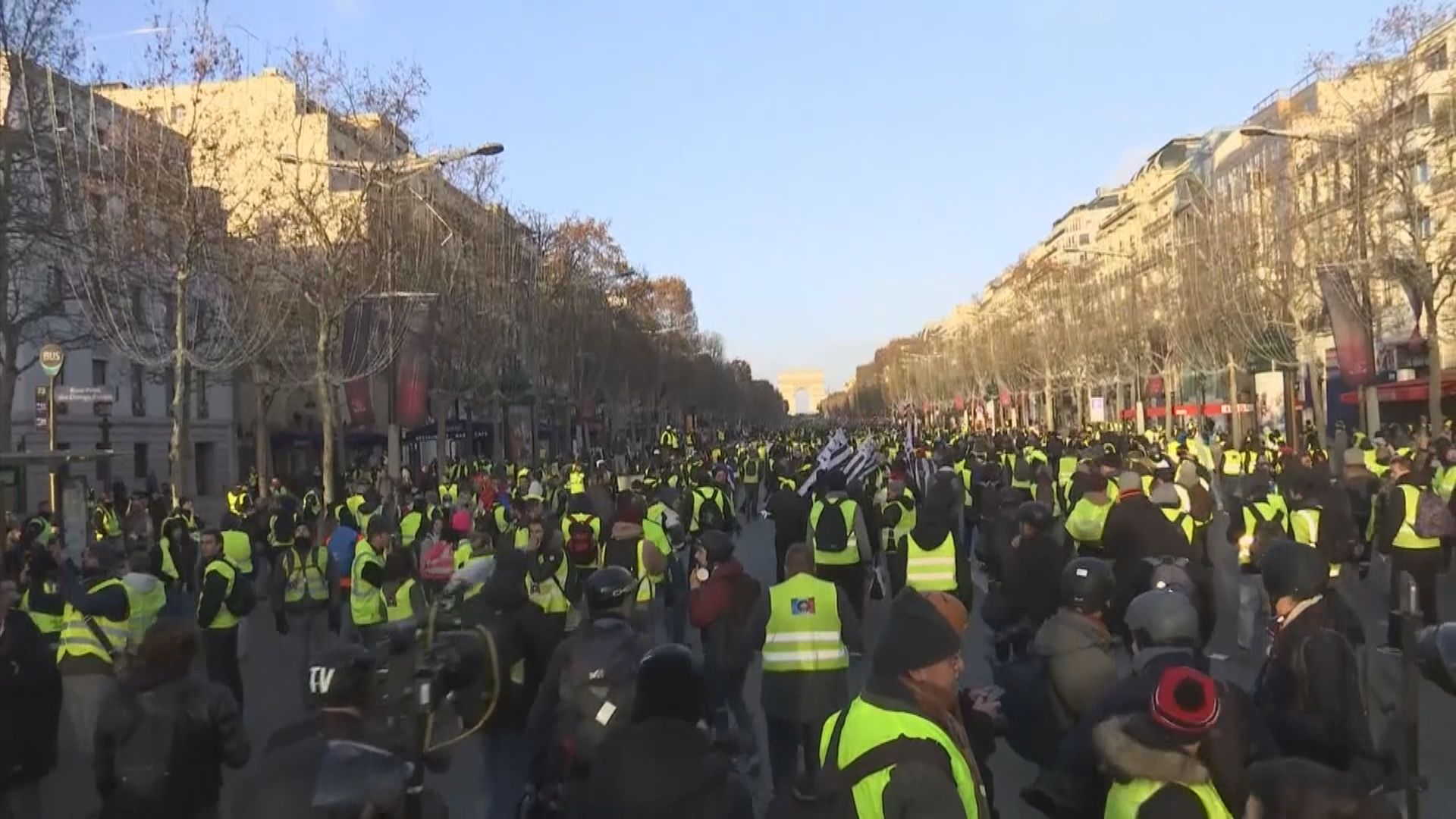 黃背心示威者連續第四個星期六遊行