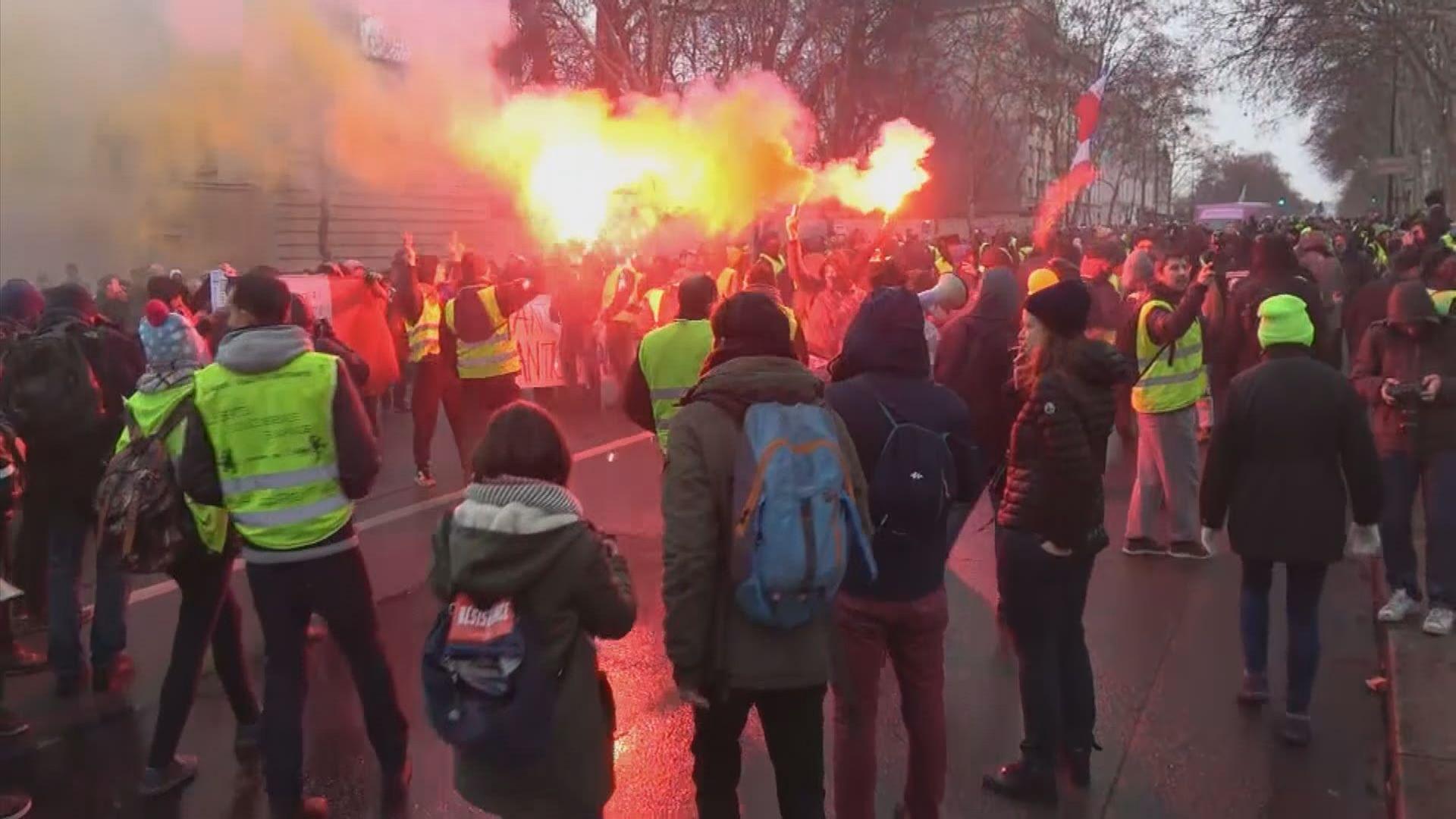 法國巴黎等地再有黃背心示威