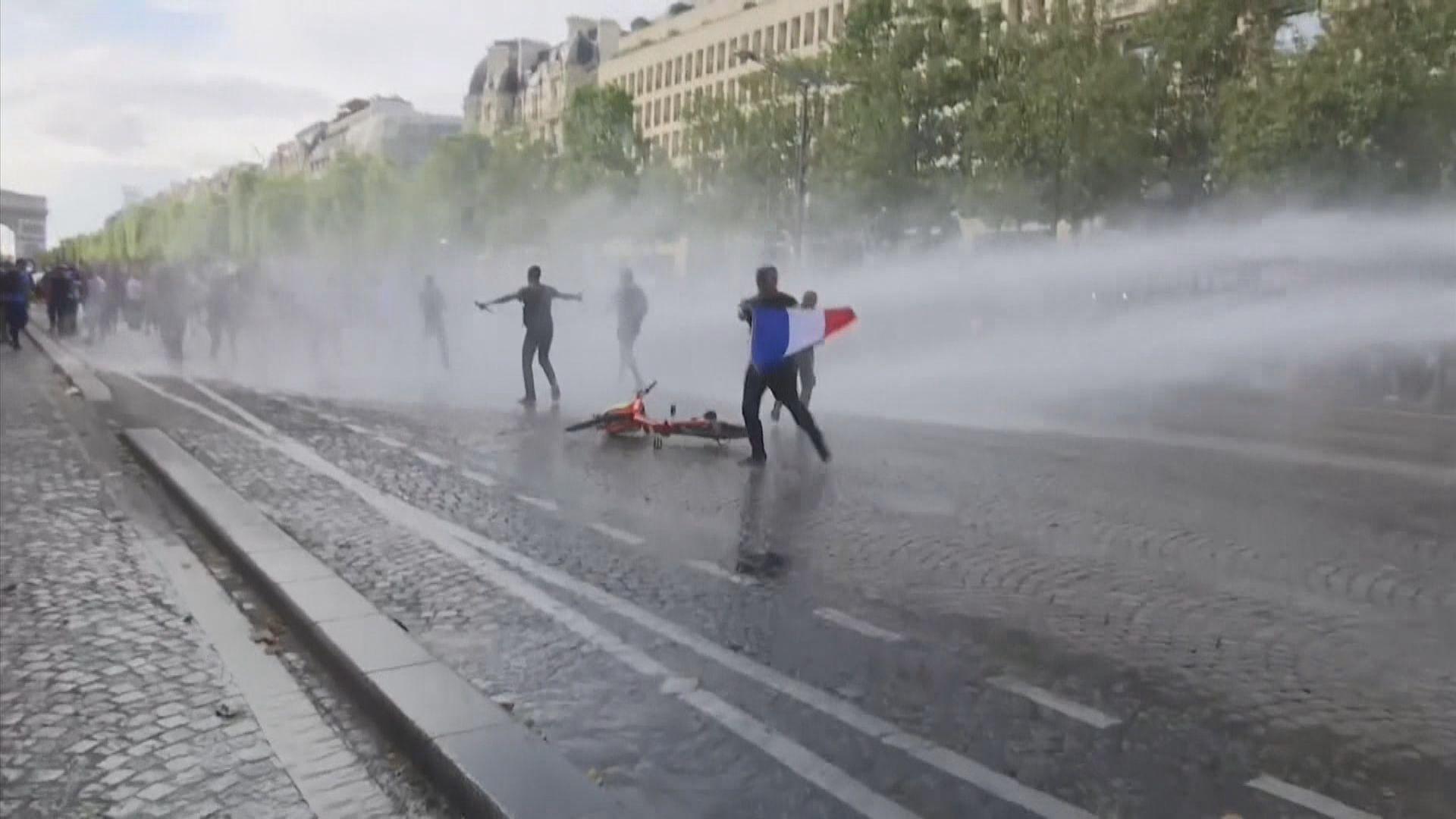 法國多個城市有示威抗議政府防疫措施