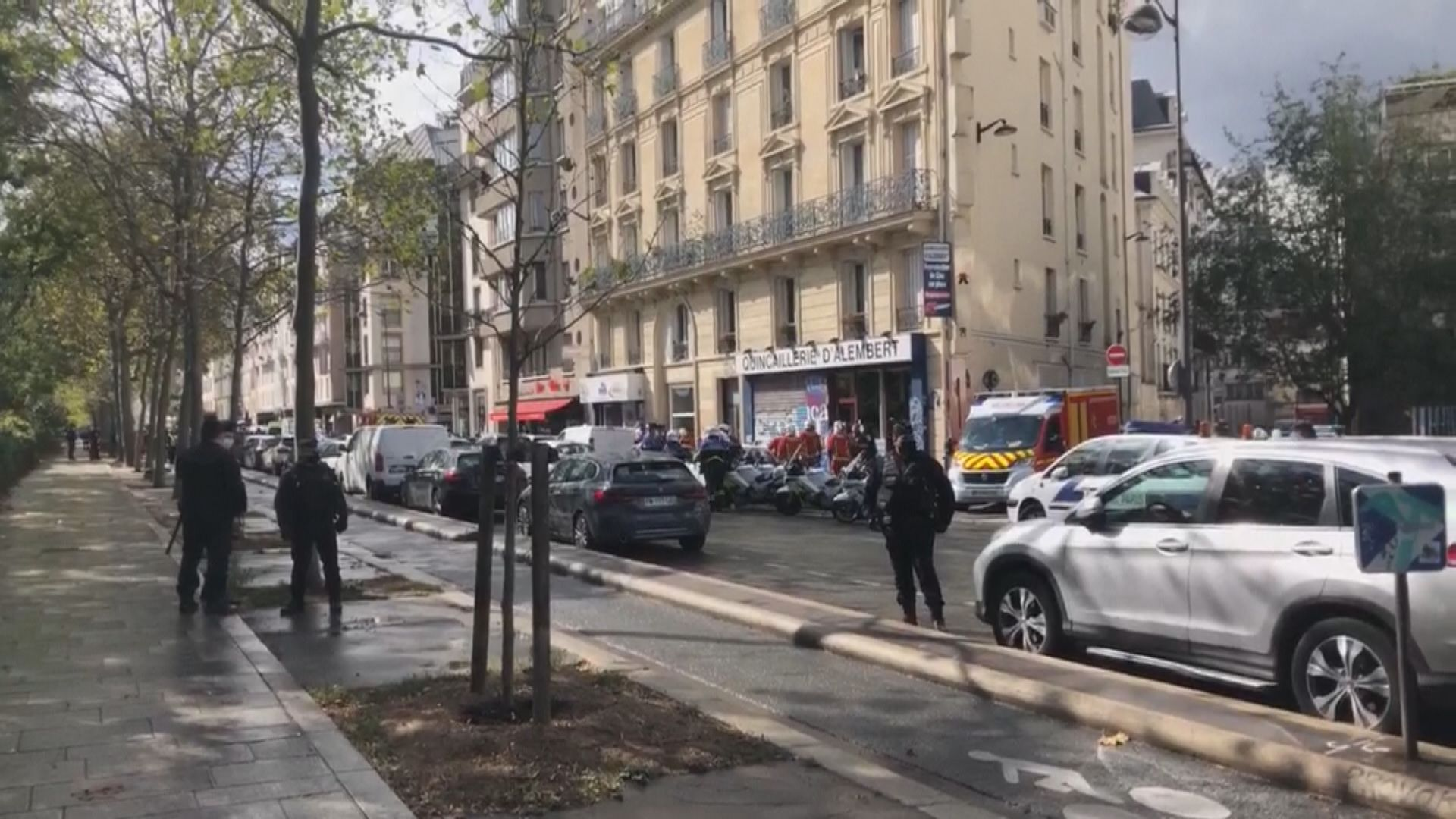 巴黎有人持刀刺傷兩人 疑犯被捕