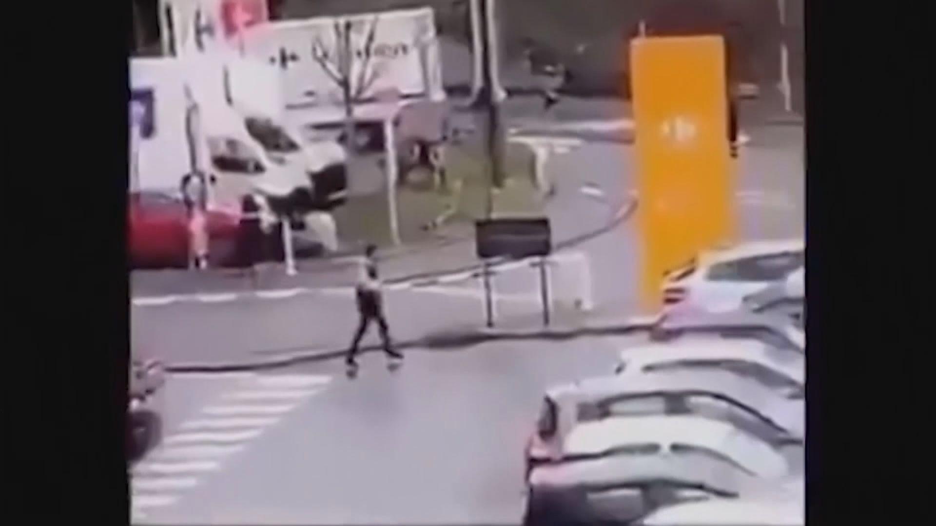 法國男子持刀襲擊事件改列恐襲案調查