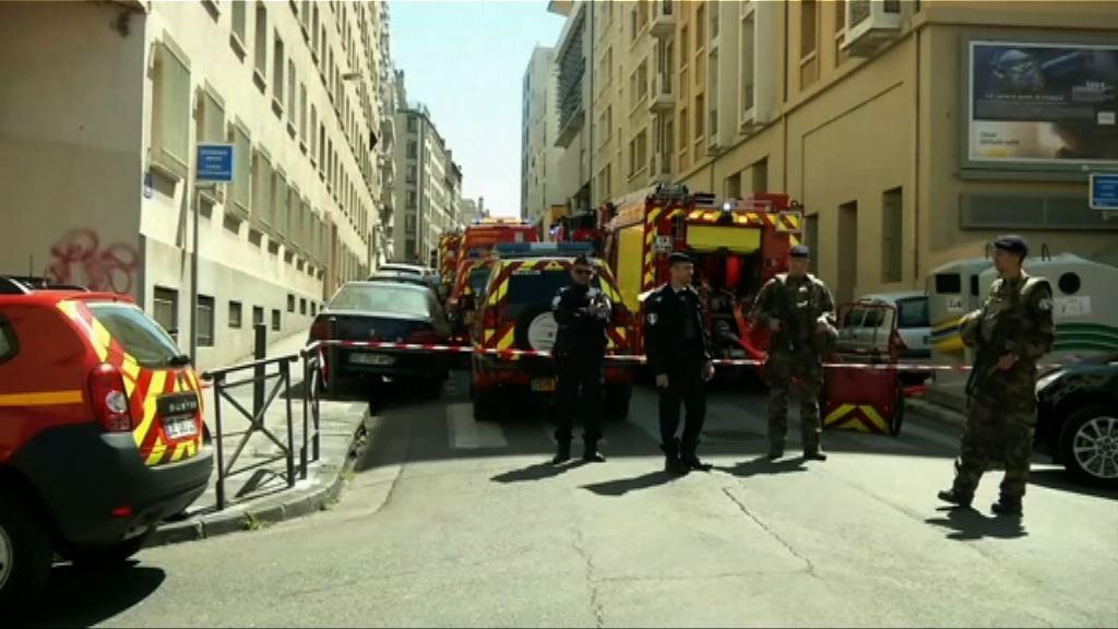 法國拘兩男子擬發動襲擊 檢獲槍械及爆炸品
