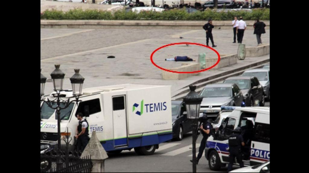 巴黎聖母院男子施襲時曾大叫「為了敘利亞」