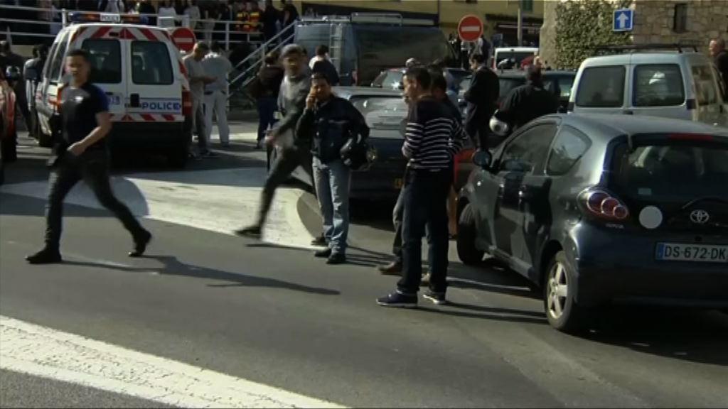 法國高中槍擊案 16歲槍手被捕