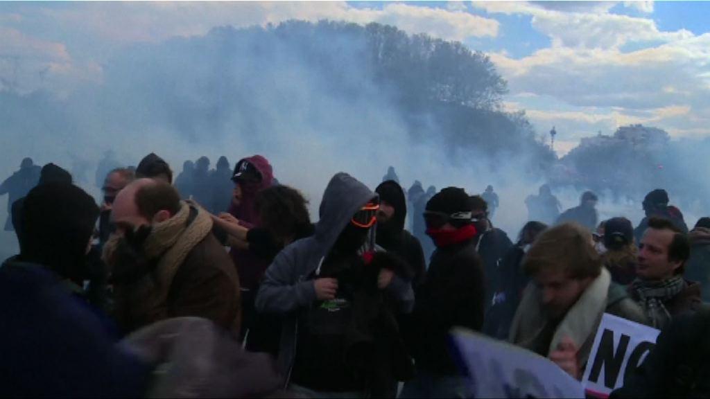 法國多個城市示威反對新勞工法