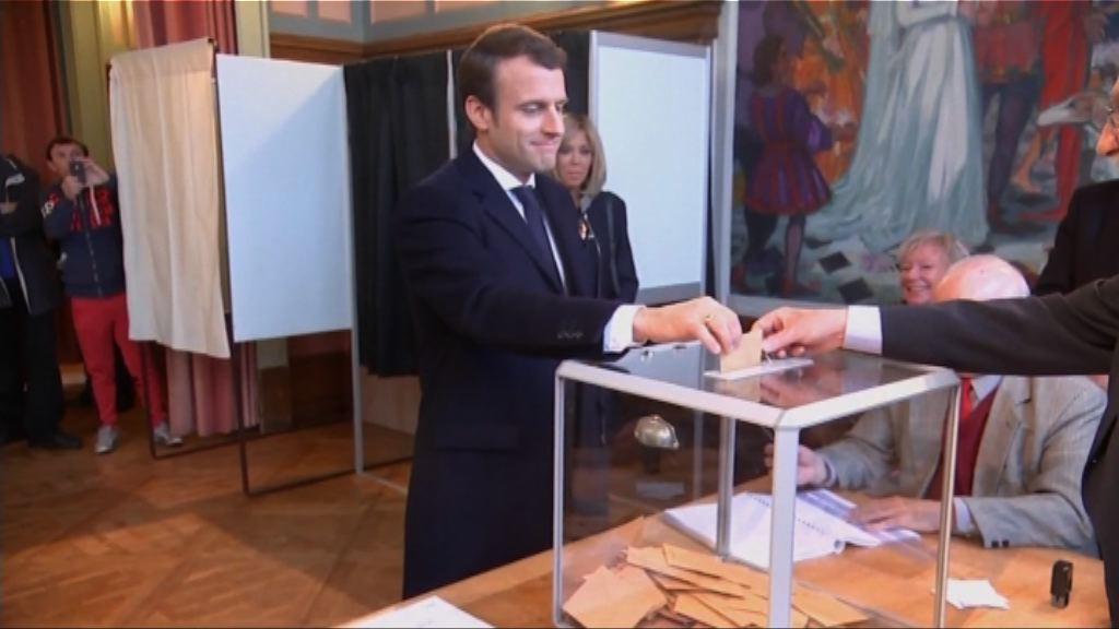法國總統能否有效施政 視乎下月國會選舉
