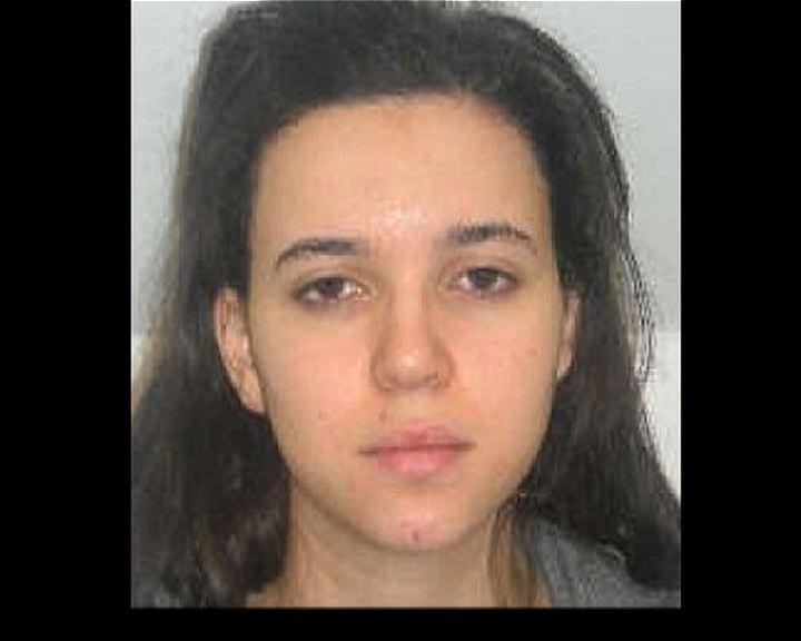 法國警方全國通緝槍手女友