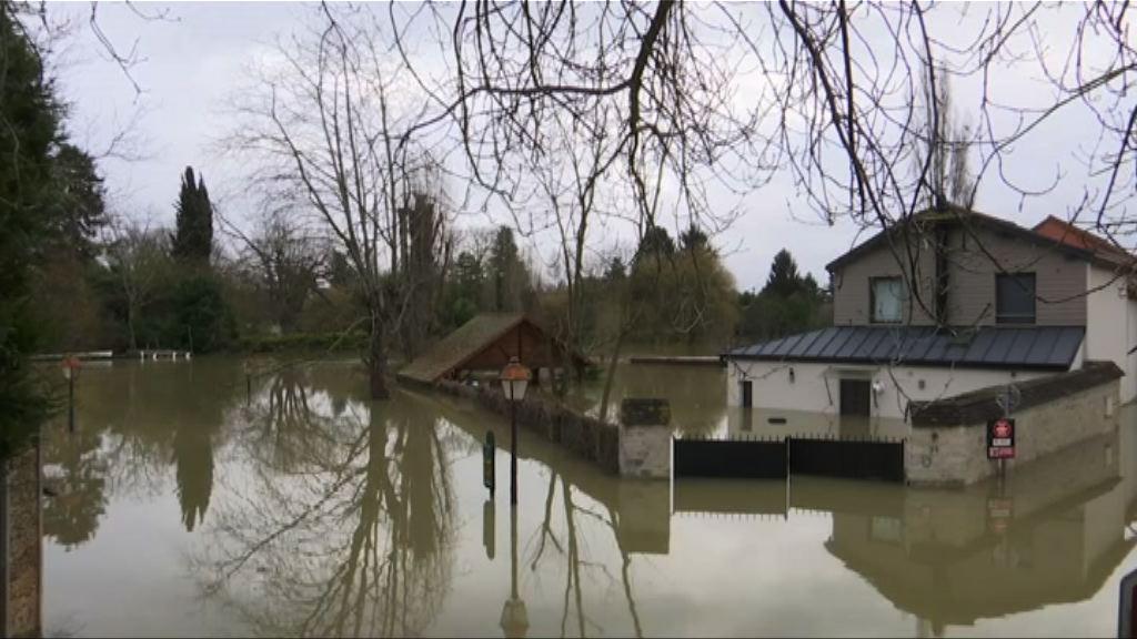 法國塞納河水位料周一升至最高位