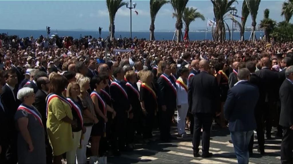 法國領袖分別出席尼斯恐襲悼念