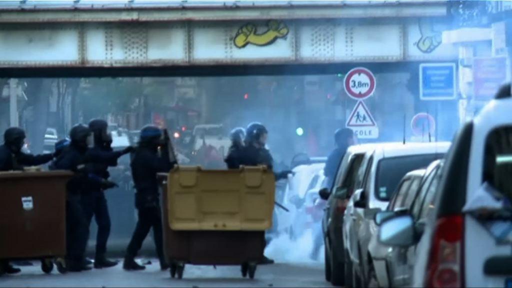 法國再有大規模反瑪麗勒龐示威
