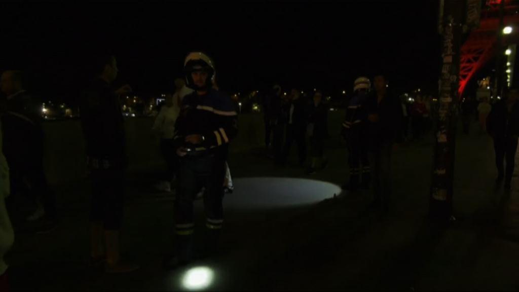 法國男子持刀圖施襲警方加強保安