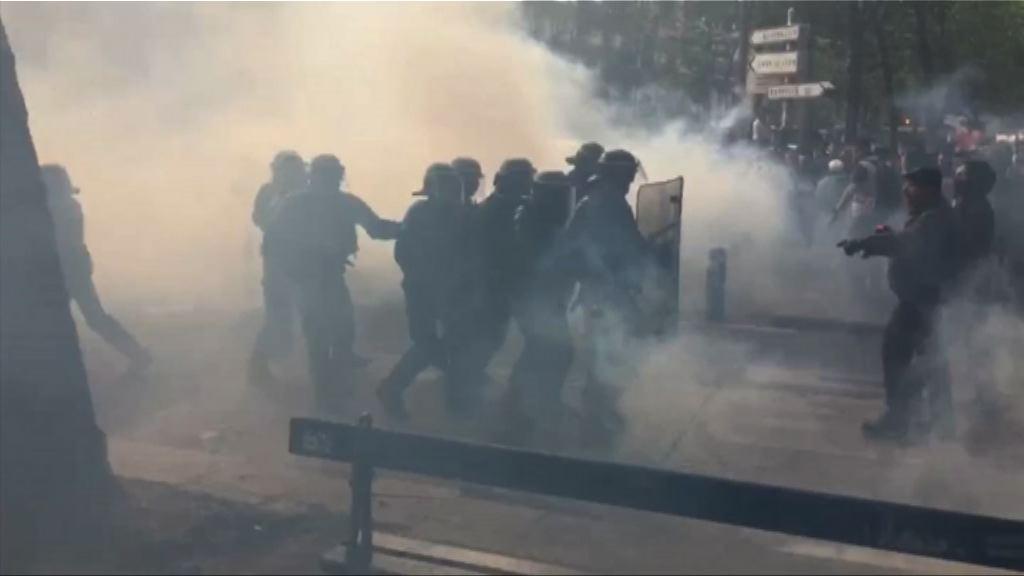 法國工會示威演變成警民衝突