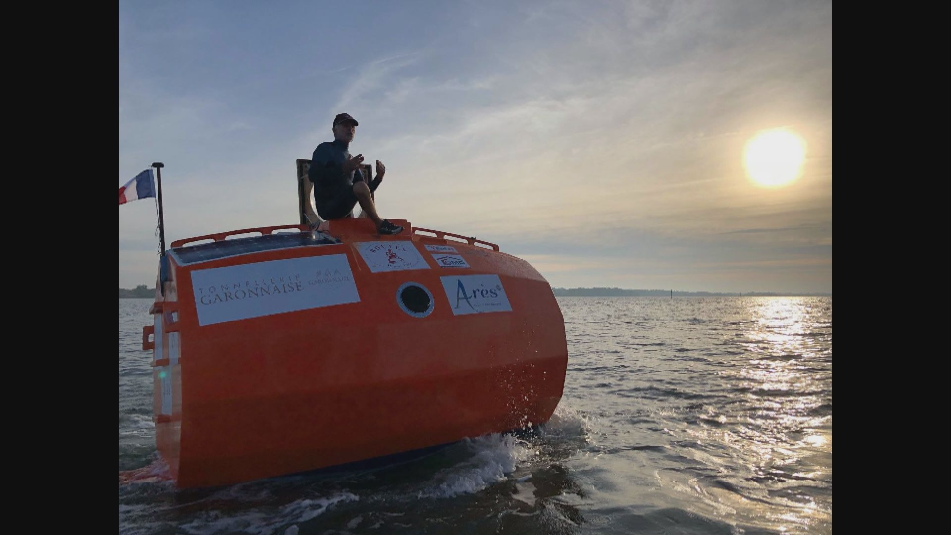 法國七旬翁乘木桶圖橫越大西洋