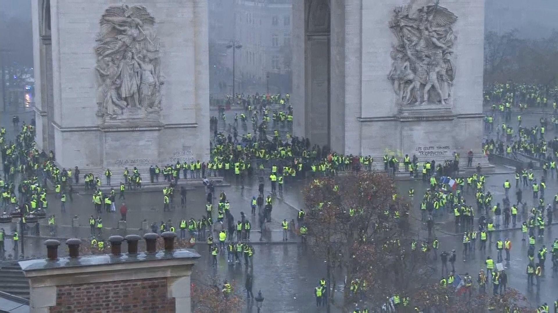 法國連續第三個周末有民眾示威 多人被捕