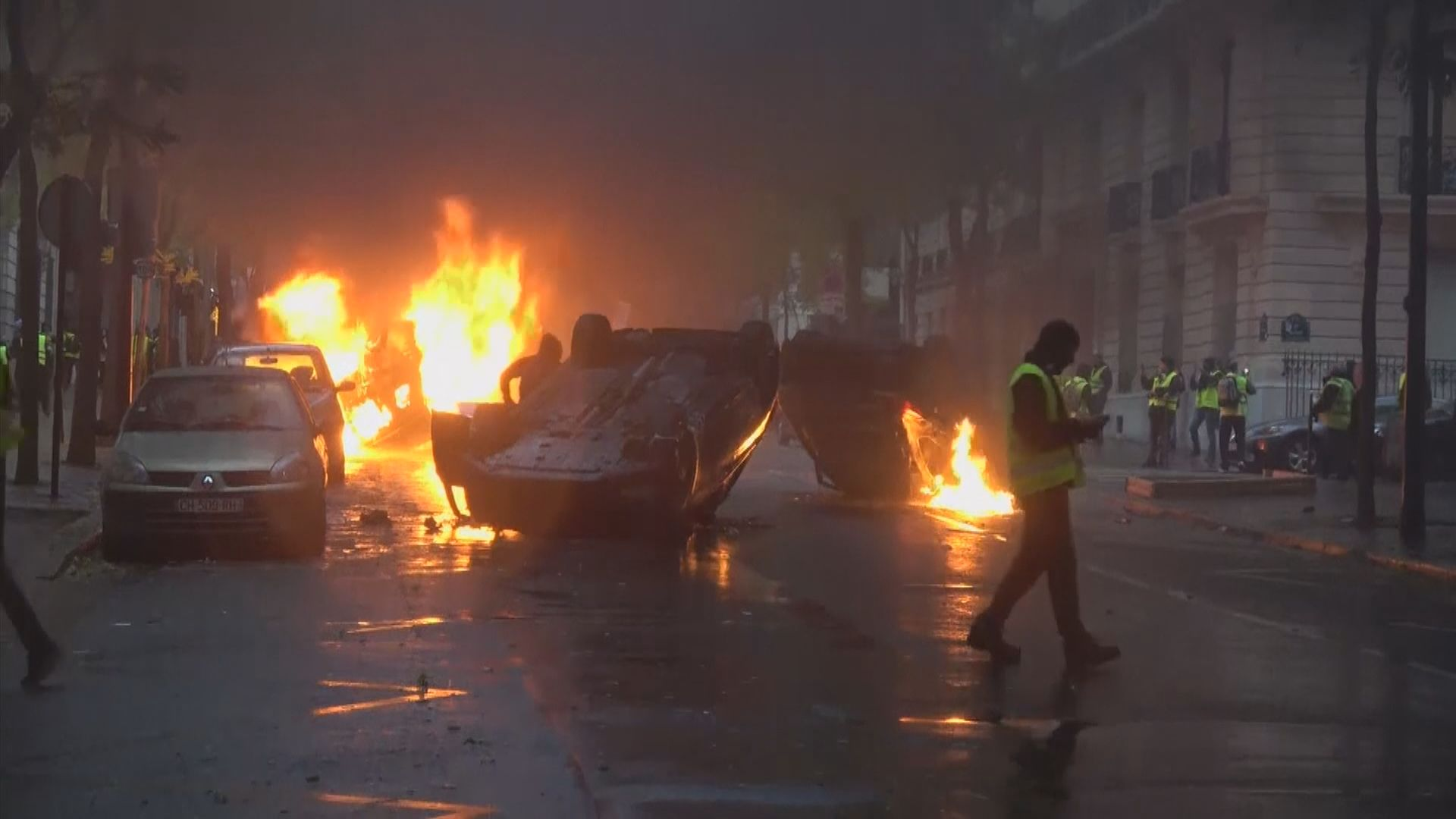 法國警方指周六衝突規模前所未見