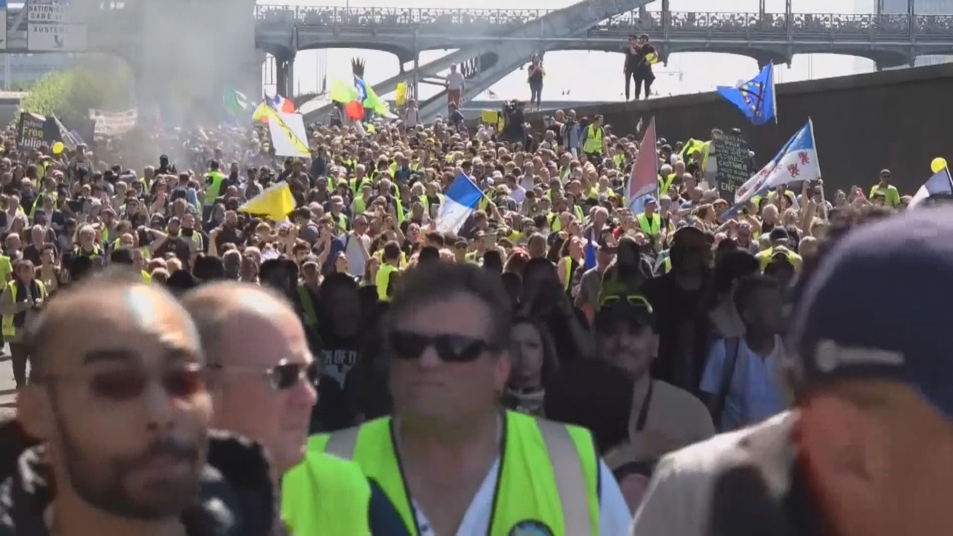 法國示威者不滿政府漠視窮人訴求