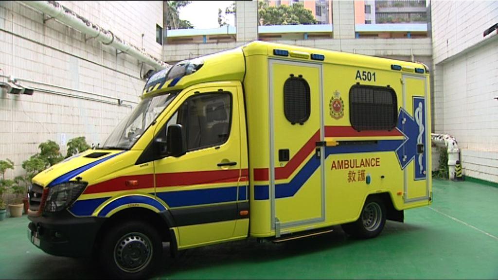 消防處引入3輛黃色救護車