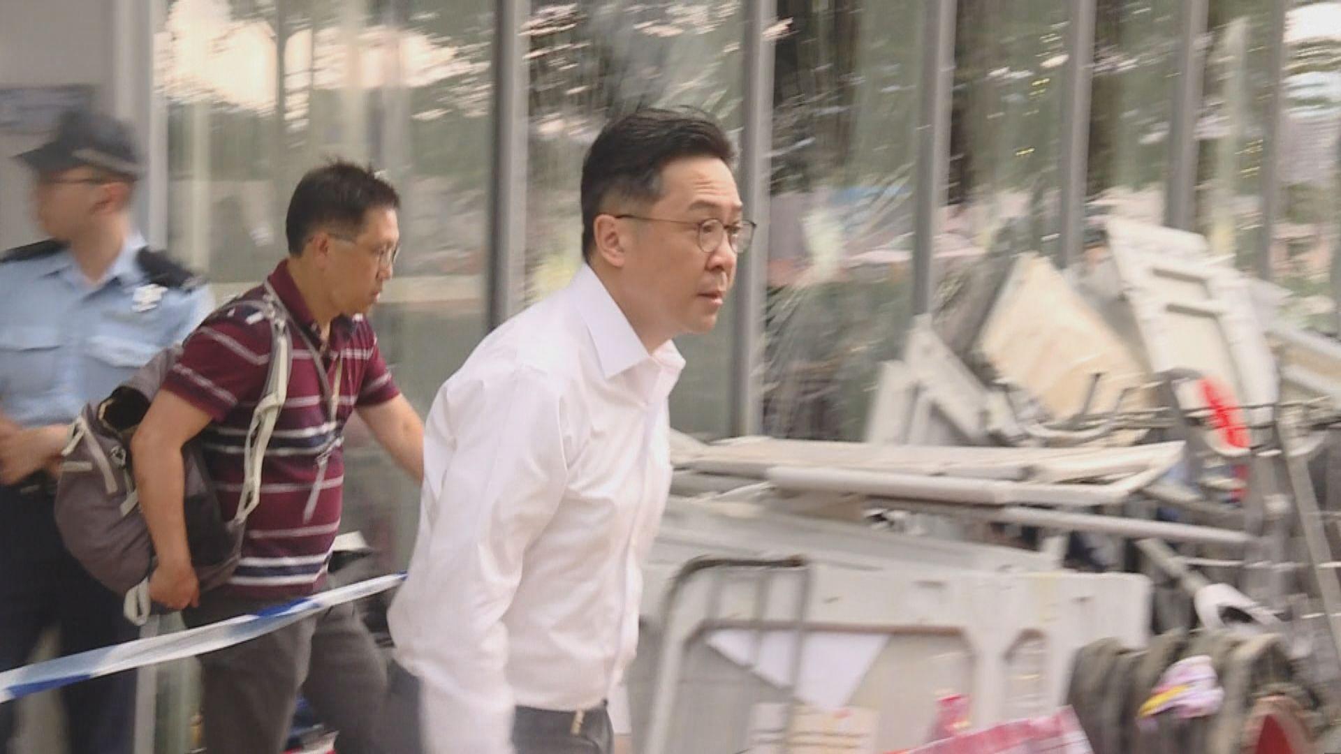 陳維安早上到立法會大樓了解情況