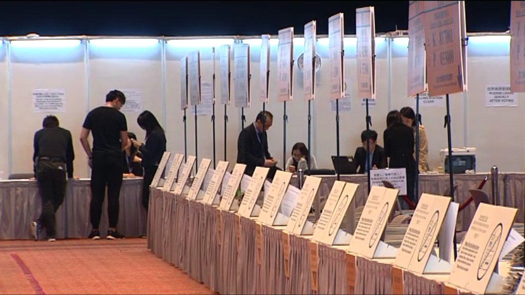 馮驊:選管會有足夠人手監察特首選舉投票
