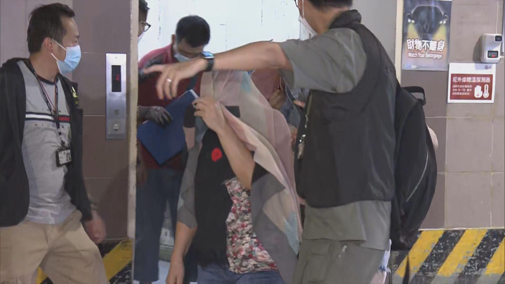 警方破觀塘非法賭檔拘28人