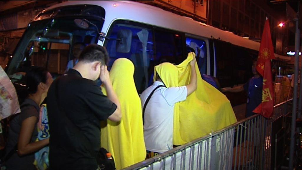 警方元朗反賭博拘十七人