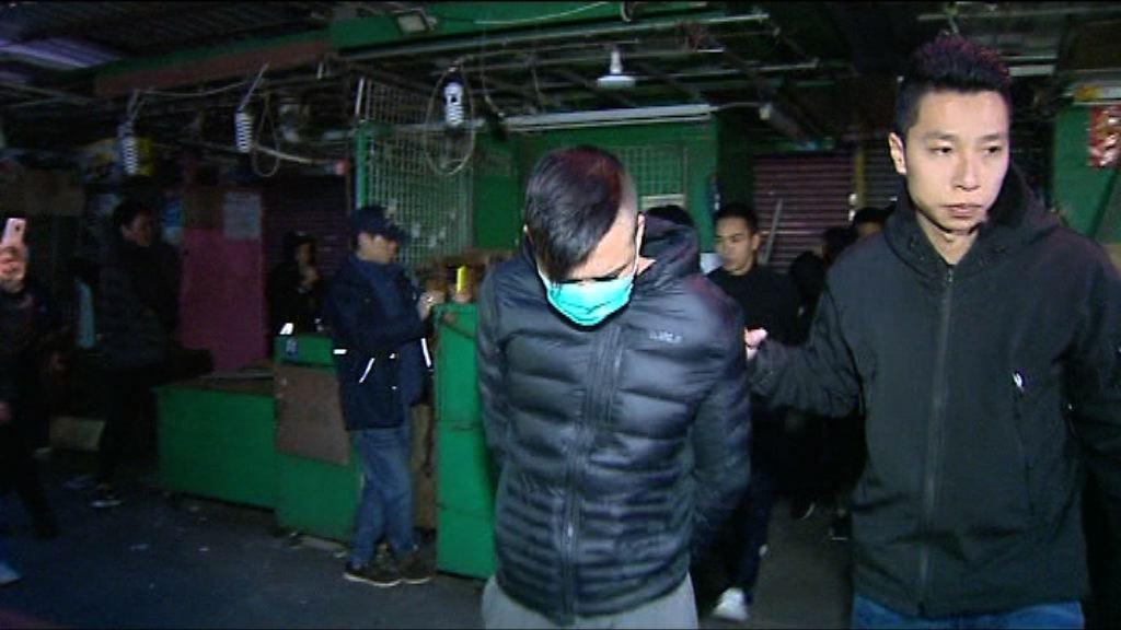 警方破越南幫賭檔拘23人