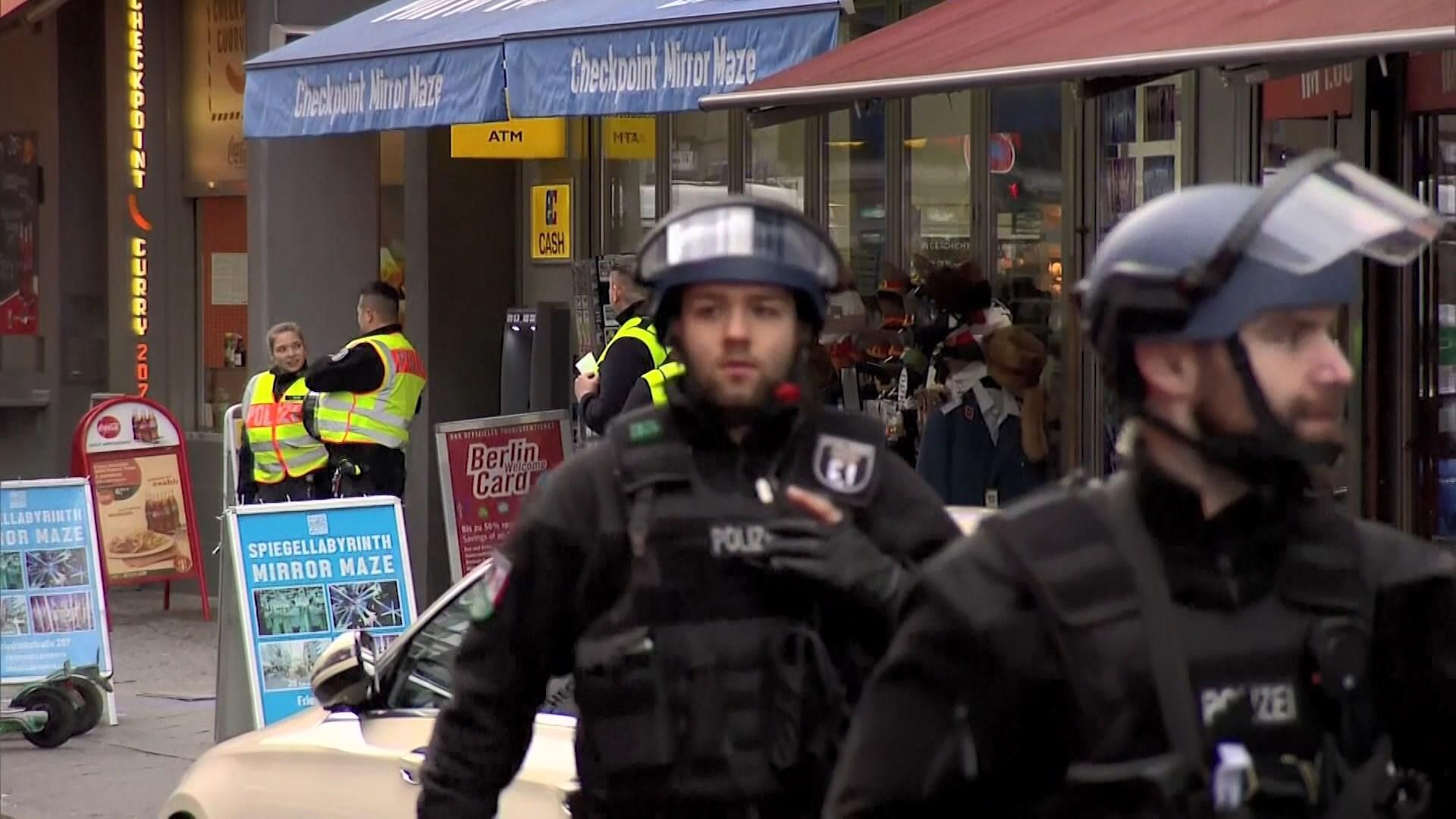 德國柏林咖啡廳發生懷疑持槍劫案