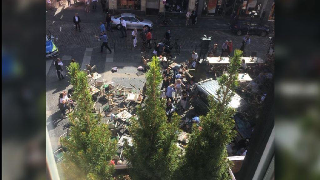 德國有客貨車撞向人群釀死傷