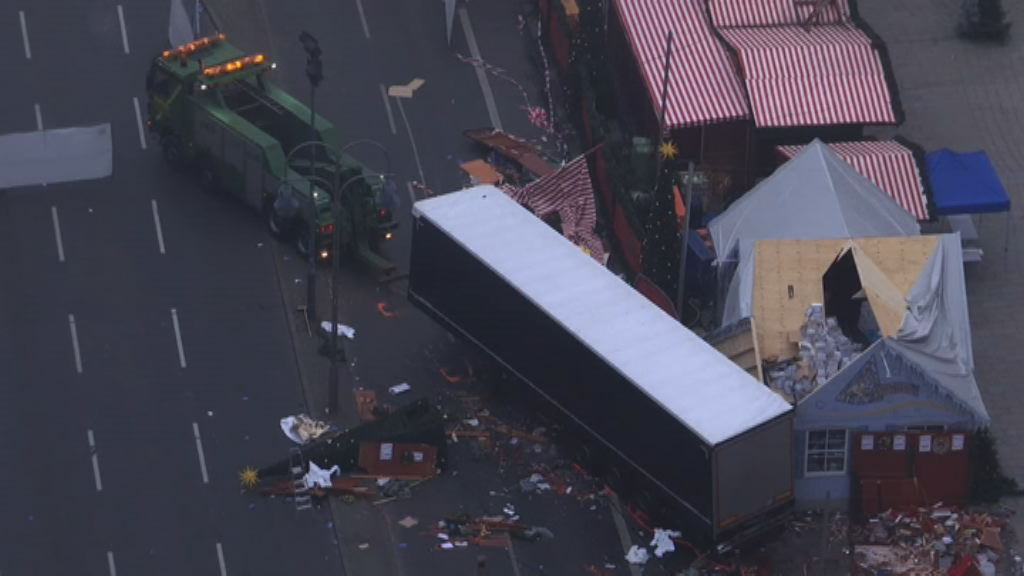 貨車衝入聖誕市集 默克爾:事件是恐襲