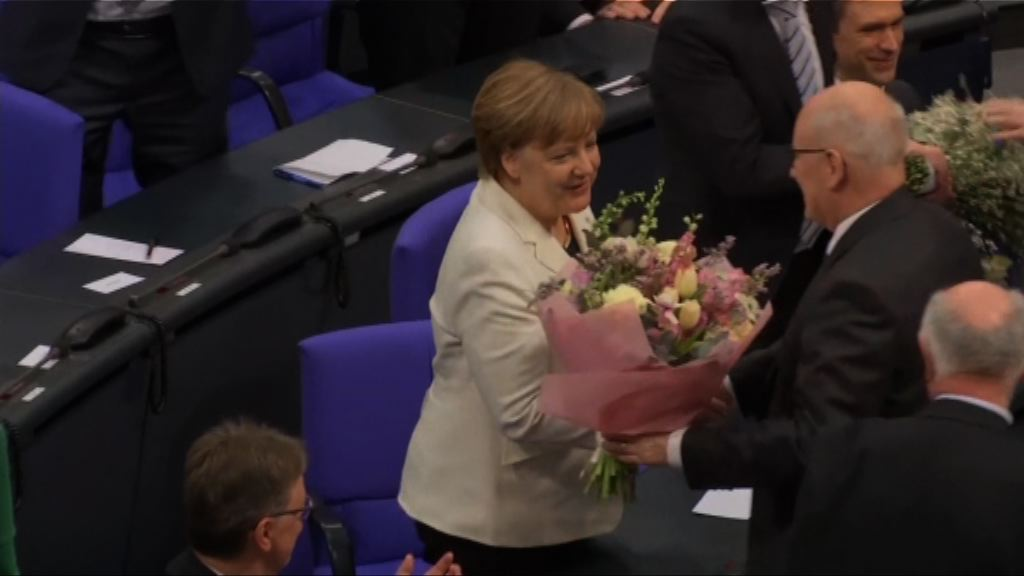 德國國會通過默克爾再任總理