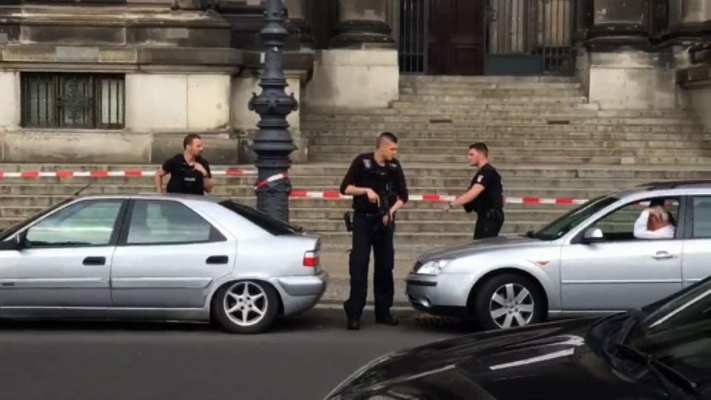 德國警方開槍制服持刀男子